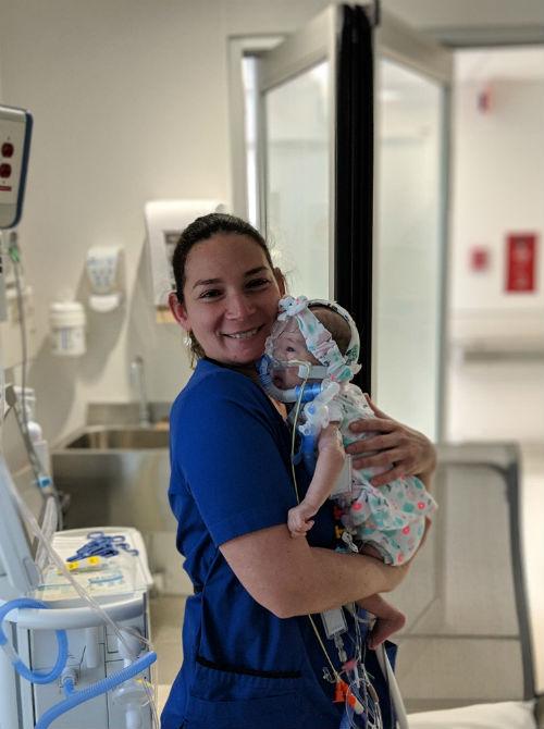 Clémence Calvet est l'infirmière ayant pris soin de la petite Zoé pendant sa dernière semaine de vie.  Photo gracieuseté