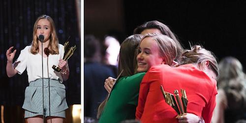 Émilie Bierre a remporté le prix pour la meilleure interprétation féminine – premier rôle aux Prix Écrans Canadiens, devant son amie, la cinéaste Geneviève Dulude-De Celles.  Photo site Internet des Prix Écrans Canadiens