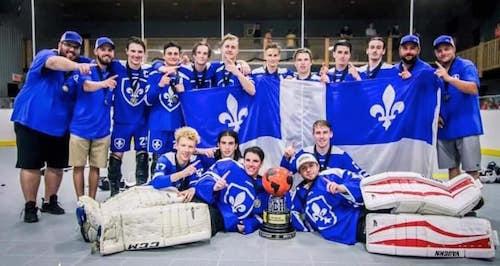Équipe Québec a remporté l'or à l'occasion du Championnat mondial de Dek Hockey, à Granby, dans la catégorie U19. Photo tirée de Facebook