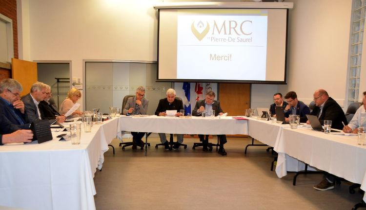 Les élus de la MRC ont choisi unanimement d'appuyer les médias locaux et régionaux d'information.  Photothèque | Les 2 Rives ©