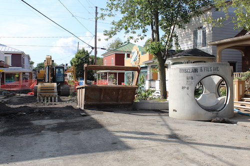 Les travaux sont effectués sur une portion de la rue Saint-Antoine, près de la route 132.  Photo Katy Desrosiers | Les 2 Rives ©