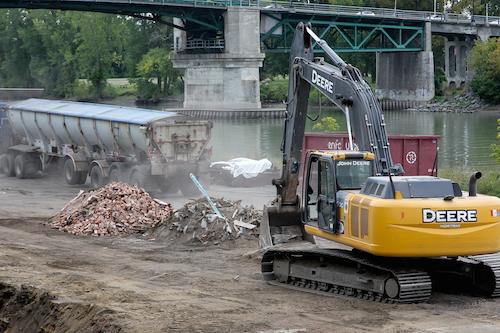 La Ville devrait recevoir l'attestation de décontamination du site sous peu.  Photo Pascal Cournoyer | Les 2 Rives ©