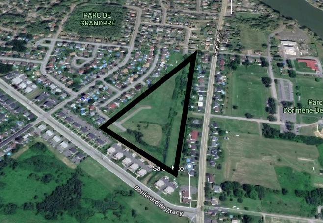 Le site est situé près de l'intersection du boulevard de Tracy et du chemin Saint-Roch. Photo Google