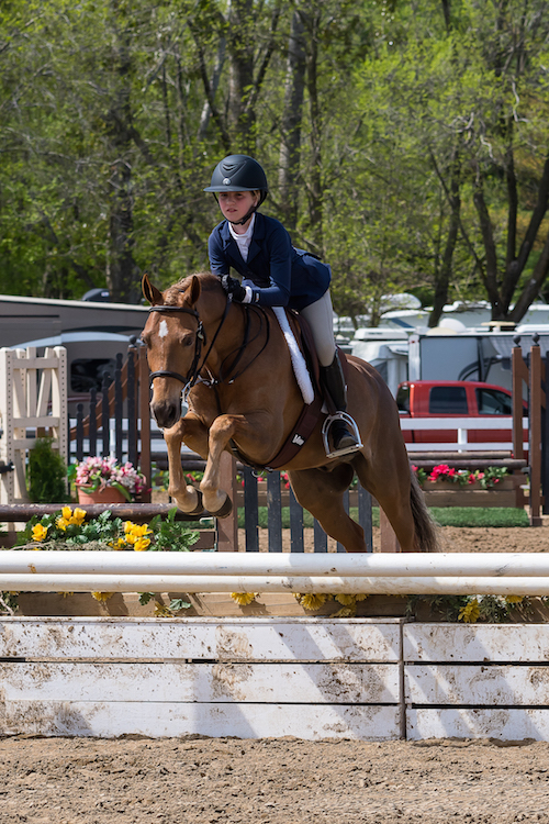 Charlotte Pacull et son poney « Beaverwood's Chicklet » ont réalisé un top 10 à Toronto. Photo gracieuseté