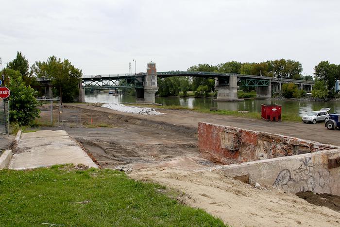 Les travaux de décontamination sont nécessaires à la venue des deux phases du Centre des arts contemporains du Québec. Photo Pascal Cournoyer | Les 2 Rives ©
