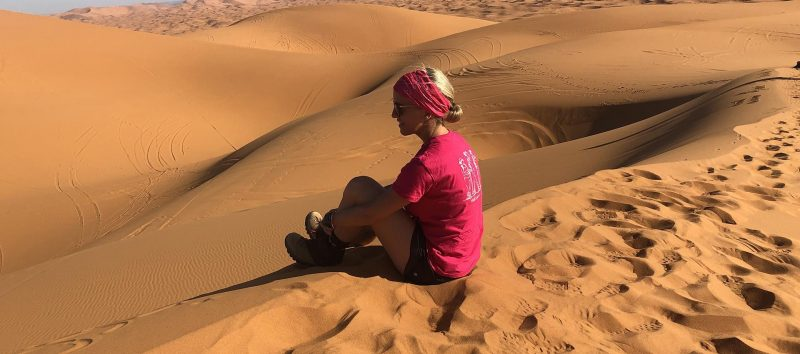 Isabelle Caza a participé à un trek de trois jours dans le désert.  Photo soreltracyetcie.com