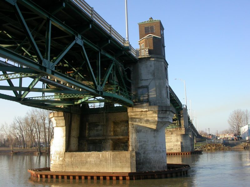 Les camions maintenant interdits de circulation sur le pont Turcotte