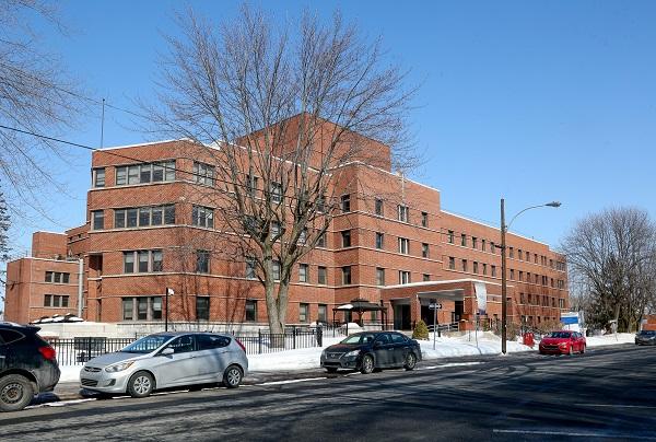 Le Centre d'Hébergement Élisabeth-Lafrance est situé sur la rue George à Sorel-Tracy. Photo Pascal Cournoyer | Les 2 Rives ©