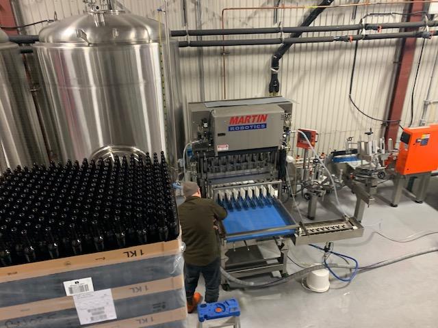 La production de la microbrasserie avait débuté à la fin janvier, dans l'usine de la rue Plante à Sorel-Tracy, pour mettre les bières en bouteille.  Photo Facebook – Birra Fanelli