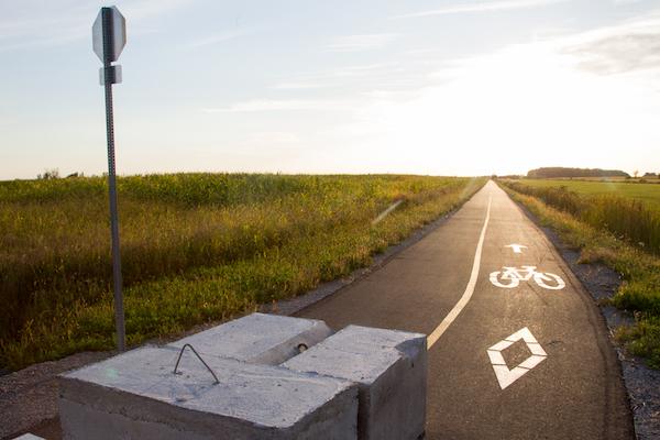 Une reconstruction de deux ponceaux est nécessaire pour le prolongement de la piste cyclable La Sauvagine vers Yamaska. Photo Pascal Cournoyer | Les 2 Rives ©