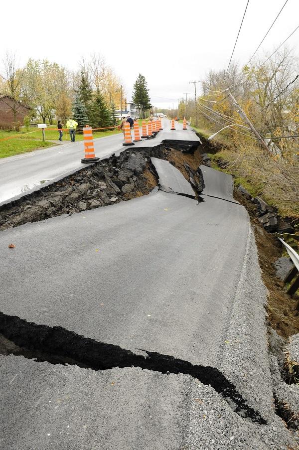 Un glissement de terrain de 50 mètres était survenu sur la route 133, en 2011. Photothèque | Les 2 Rives