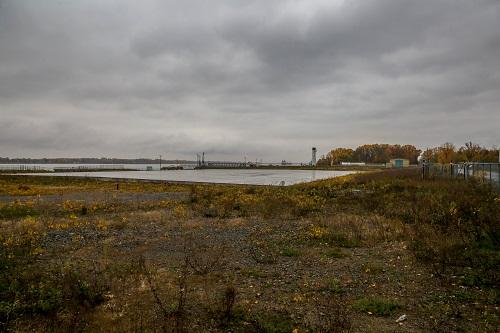 Le complexe portuaire prendra forme sur le site de l'ancienne centrale thermique. Photo Pascal Cournoyer | Les 2 Rives ©