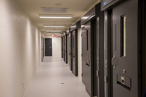 La pandémie a détérioré le climat de travail à la prison de Sorel-Tracy, selon des agents correctionnels. Photo Pascal Cournoyer | Les 2 Rives ©