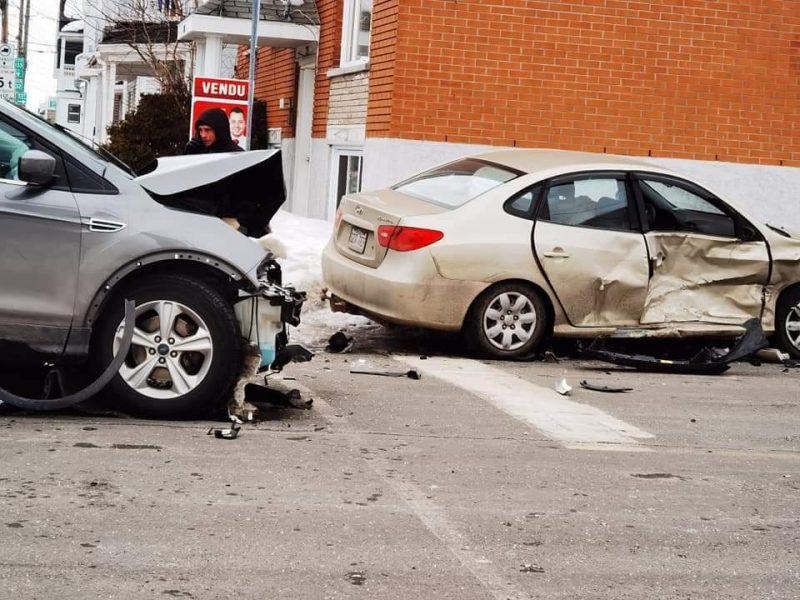 Deux accidents le même jour au même coin : Sorel-Tracy demande deux panneaux d'arrêt