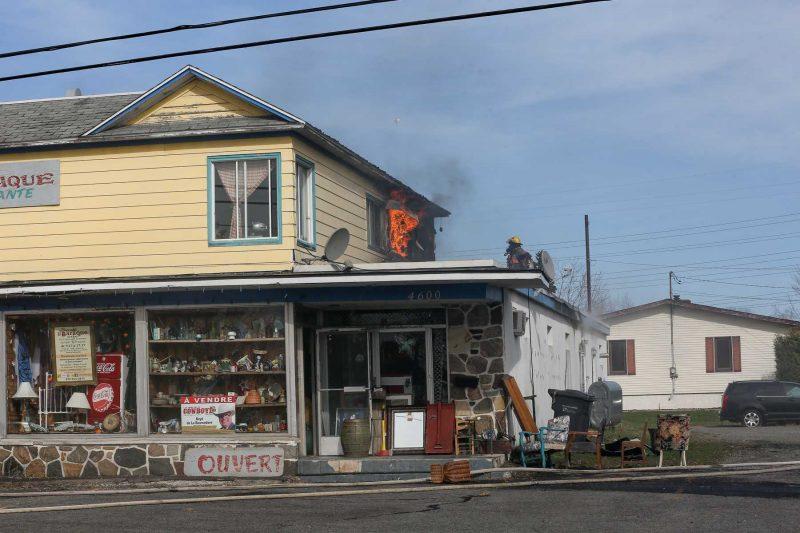 Un incendie éclate à la brocante La Baraque